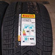 Pirelli Scorpion Winter 285/35 315/30 R22